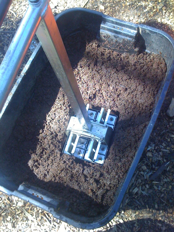 Week 17 in the omg milkwood market garden for Soil block maker